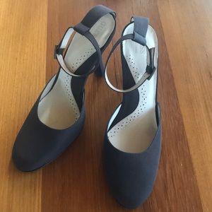 Women's Guess heels